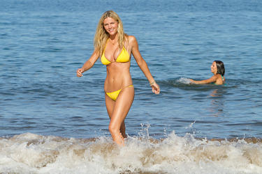 Brooklyn Decker in &quot;Just Go With It.&quot;